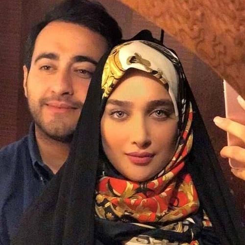 آناشید حسینی کیست