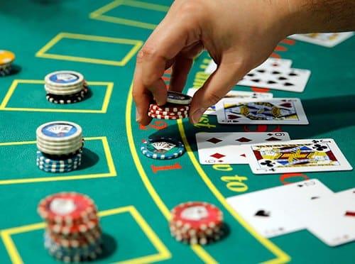 موقعیت دیلر در بازی پوکر چیست؟