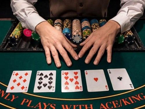 راه های موفقیت در بازی پوکر چیست؟