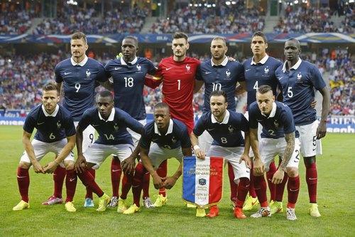 درآمد های 5 تیم برتر فرانسه به چه صورت تامین می شود؟