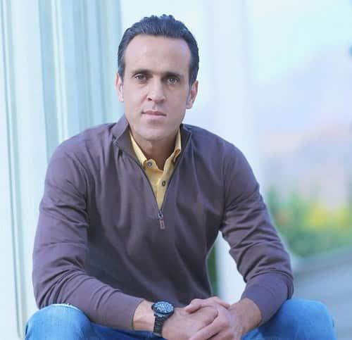 بیوگرافی علی کریمی به چه صورت می باشد؟